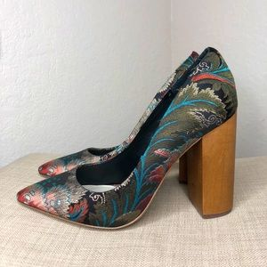 1. State Valencia Tapestry Pumps